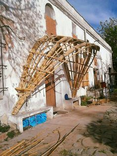 #Porche construido durante un campo de practica con #canyaviva en #mataró