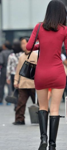 Asian Woman, Asian Girl, Sexy Hips, Bikini, Tight Dresses, Beautiful Celebrities, Dress Skirt, Mini Skirts, Women's Skirts