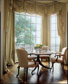 Dining Room Curtains, Bay Window Curtains, Curtain Pelmet, Room Window, Drapes Curtains, Drapery, Valance, Rideaux Du Bow Window, Elegant Dining Room