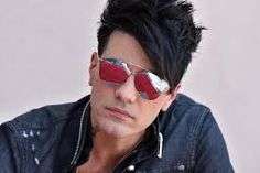 2020 images of Criss Angel - Google Search Hollywood Walk Of Fame, In Hollywood, Criss Angel Mindfreak, Mirrored Sunglasses, Mens Sunglasses, Still Image, The Magicians, The Outsiders, Walking