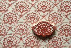 tampon, motif de fleur stylisée, style indien, rouge