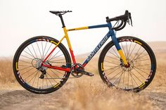 Santa Cruz maakt opvallende Stigmata voor crossteam Mash – Racefietsblog.nl