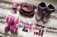Tapis berbère, Bougie Diptyque Rose Duet, Ipod mini, Sac Mini Twee Jérome Dreyfuss, Nike Jordan 2 Vashtie, Reebok x Uglymely Betwixt Mid, LeClosetMag x Uglymely, Lunettes Dior, Vernis Essie et O.P.I