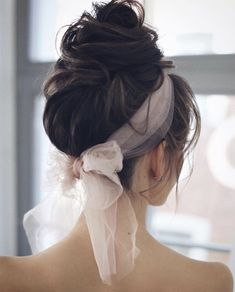 Check out our collection of prom hairstyles for long hair. We've only picked the trendy and most elegant hairstyles for you to look generous. Prom Hairstyles For Long Hair, Prom Hair Updo, Trending Hairstyles, Elegant Hairstyles, Hair Dos, Up Hairstyles, Elegance Hair, Color Mauve, Long Thin Hair