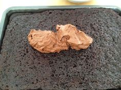 Bizcocho de cacao con crema de chocolate y Daim
