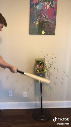 i'm gonna try this @ school - Funny Pin Super Funny Videos, Funny Video Memes, Crazy Funny Memes, Funny Short Videos, Funny Puns, Really Funny Memes, Funny Laugh, Stupid Funny Memes, Wtf Funny