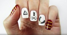 Bring Some Magic To Your Week With Simple Harry Potter Nail Art Potter Nagelkunst Bring Some Magic To Your Week With Simple Harry Potter Nail Art Harry Potter Nail Art, Harry Potter Nails Designs, Cute Harry Potter, Cute Nail Art, Nail Art Diy, Easy Nail Art, Simple Nail Art Designs, Toe Nail Designs, Super Nails