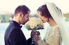 Papierowa wiązanka ślubna nasze TOP 10 - Nie da się zaprzeczyć, że papierowe bukiety ślubne cieszą się coraz większą popularnością. Stanowią fantastyczną alternatywę dla wiązanek z żywych kwiatów. Należy również zwrócić uwagę na fakt, że taki bukiet może stanowić niezwykłą pamiątkę rodzinną. Z pewnością warto jest zastanowić się nad tak... - http://www.letswedding.pl/papierowa-wiazanka-slubna-top-10/