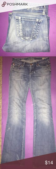 "BIG⭐️STAR Jeans Sz. 28 Big Star Bootcut Jeans, size 28. Inseam approx. 31.5"". These make your bum bum look very nice and uplifted 😊. There is a small hole from wear on the front near the zipper. (See 2nd pic) Easy fix though, Cut any color bandanna & use a little fabric glue to patch it, or simply get a patch kit. They're only a few bucks. 🎁FREE GIFT w/ every order🎁 Big Star Jeans Boot Cut"