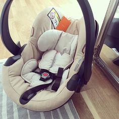 Så nöjda med bilbarnstolen från #stokke  Denne ønsker jeg meg om vi får ett til barn