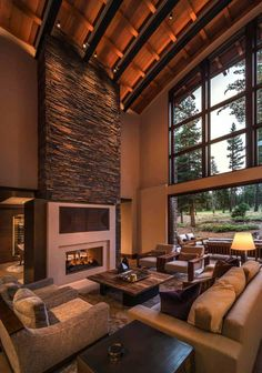 Mountain home in Martis Valley boasts must-see design elements This stunning contemporary mountain home is designed by Sandbox Studio, located in the Martis Camp community of Truckee, California. Karton Design, Modern Mountain Home, Mountain Homes, Decoration Bedroom, Modern Staircase, Beautiful Living Rooms, Design Case, Modern Rustic, Home Interior Design