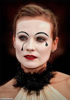 Mime Diana Kruger bilder - costume we ♥ - halloween schminke Mime Costume, Costume Makeup, Halloween Costumes, Halloween Queen, Mime Makeup, Halloween Face Makeup, Mime Face Paint, Magical Makeup, Highlighter Makeup