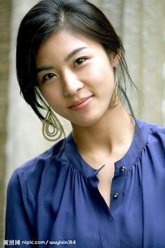Ha Ji Won (Korean 전해림) is a South Korean actress. Pretty Korean Girls, Beautiful Asian Girls, Korean Beauty, Asian Beauty, Han Ji Won, Korean Actresses, Woman Face, Asian Woman, Beauty Women