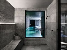 The bathroom next to the pool and gym at the St Vincents Place Residence by B.E Architecture is made of a powder room, onsen and a steam room which overlooks the subterranean pool. Melbourne, Residential Architecture, Interior Architecture, Patio Interior, Interior Design, Interior Livingroom, Design Interiors, Contemporary Interior, Interior Ideas