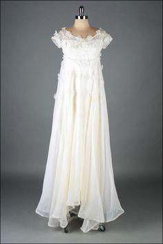 vintage 1960s dress . white organza wedding . by millstreetvintage