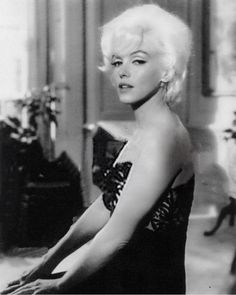 cinema blonde bombshell of the Marilyn Monroe 1962, Marilyn Monroe Photos, Gentlemen Prefer Blondes, Female Actresses, Norma Jeane, Barbara Palvin, Vintage Hollywood, Ikon, Beautiful Women