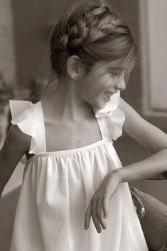 ideas hair cuts for kids girls children Little Girl Fashion, Little Girl Dresses, Kids Fashion, Flower Girl Dresses, Flower Girls, Moda Kids, Kids Cuts, Little Fashionista, Stylish Kids