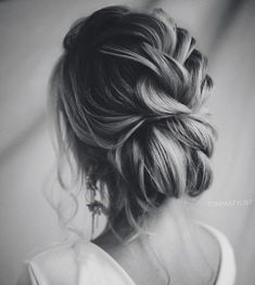 Nice idea for the wedding updo .- Schöne Idee für die Hochzeit Hochsteckfrisur Nice idea for the wedding updo - Bride Hairstyles, Messy Hairstyles, Southern Wedding Hairstyles, Hairstyles Videos, Hairstyles Pictures, Hairstyles 2018, Wedding Hair And Makeup, Hair Makeup, Bridal Hair