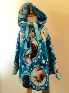 Themed cape with hood size 5/6