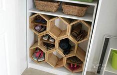 movehit Hexagon DIY Schuhregal # diy Landscaping Tips- the Water Garden Articl Over Door Shoe Rack, Shoe Cubby, Diy Shoe Storage, Closet Shoe Storage, Diy Shoe Rack, Shoe Shelves, Small Closet Organization, Storage Ideas, Shoe Closet
