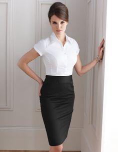 Work-Wear Essentials for Women's Wardrobe . LOVE the black skirt! Office Fashion, Work Fashion, Style Work, Work Chic, Pencil Skirt Outfits, Black Pencil Skirts, Formal Skirt, Formal Dresses, Professional Attire