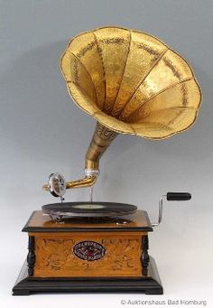 Horn Gramophone Retro Music-machine Vintage Phonograph Grammophon Gold-version