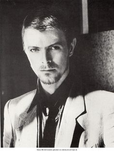 David Bowie - Not seen this picture of Bowie before !! Nice !