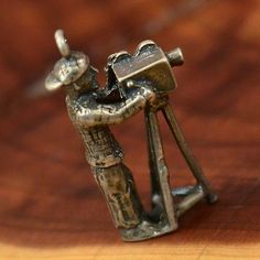 #Film School Charm #Vintage #Sterling #Silver - #3D #Camera #Man 5.1g - #Charm #Pendant #BellaAndChloe