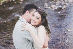 Contagem regressiva dos noivos queridos 3 dias pra o grande dia  #noivos #blogdanoiva #chegandoodia #twosistersfotografia #casamento #casamentodedia #fotografadecasamento #amor #love #felicidade #happiness #sorriso #abraço #janarobergefotografia #ninerobergefotografia #rio #chegalogo #noiva #bride #irmasfotografas #muitoamor