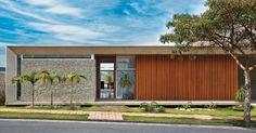 Arquitetura plana e integrada em residencia em Juiz de Fora - MG