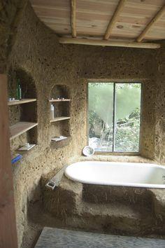 Inside the bath house Bath in the mud house Cob Building, Building A House, Green Building, Adobe Haus, Earth Bag Homes, Mud House, House Bath, Earthship Home, Earthship Design