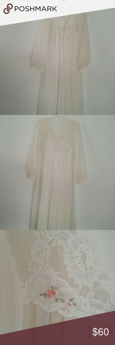 "Lovely Vintage White Peignoir Set w/Lace Detail Sheer Lined Nylon Nightgown w/lace & pink flower embroidered detail on bodice & lace around bottom edge of skirt - Matching Robe w/double thickness of sheer nylon material, lace & embroidered detail on top front & lace detail only on top back, long gathered sleeves w/lace detail, a single pearl-like button & loop closure at top front, size small, approx. 65"" in length - no rips, holes or snags in material, machine wash separately warm water, no…"