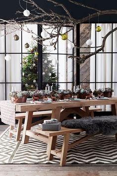 Copper Christmas Centerpieces - Table Ideas (houseandgarden.co.uk)
