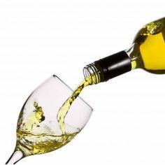 ¿Sabe como comprar vinos? Si tu respuesta es no, bienvenido, porque va a descubrir un fantástico mundo de sensaciones y placeres. Cuando alguien se acerca a este mundo, debe tener mucho cuidado y hacerlo de la mano de alguien que conoce y entiende en profundidad.
