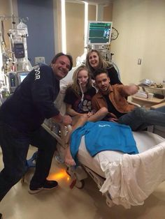 Liam Payne visits a One Direction fan in hospital after hearing she can't make it to the tour - Sugarscape.com