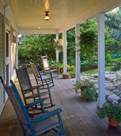 I need this porch!