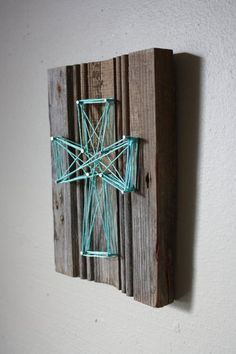 Recycled Project - Old wood & yarn.