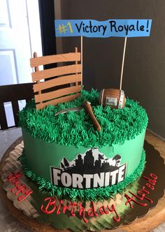 Fortnite birthday cake 10 Birthday Cake, Birtday Cake, 10th Birthday Parties, 12th Birthday, Birthday Party Decorations, Birthday Ideas, Decoration Patisserie, Diy Cake, Cakes For Boys