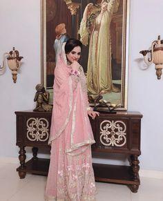 Beautiful Photo Shoot of Actress Fatima Effendi - The Pakistan Post Pakistani Dresses Casual, Pakistani Actress, Pretty Girls, Beautiful Dresses, Photoshoot, Actresses, Girl Face, Photography, Cable