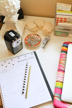 Is it weird that I have a favorite pencil sharpener? This manual pencil sharpener is the BEST ever! It makes a great teacher's gift idea and it also makes a pretty desk accessory.