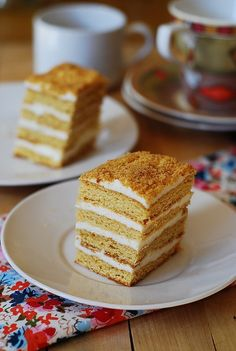 Honey cake, with cooked flour frosting – Medovik tort Classic Russian Honey cake with a cooked flour frosting (tort medovik, pchelka s zavarnim kremom) Russian Honey Cake, Russian Cakes, Russian Desserts, Russian Recipes, Romanian Desserts, Sweet Recipes, Cake Recipes, Dessert Recipes, Food Cakes