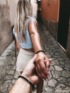 Partner bracelet with engraving. The original MR. Bracelet Louis Vuitton, Bracelet Cartier, Aesthetic Couple, Couple Bracelets, Friends Fashion, Best Friends Forever, Fashion Quotes, Picture Poses, Couple Pictures