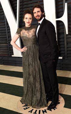 Pin for Later: Die Stars feiern ausgelassen nach den Oscars Kat Dennings und Josh Groban