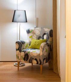 Gray and green sofa in an modern apartment _ Sofá verde e cinzento num Apartamento colorido e moderno, Photo by Ricardo Bravo