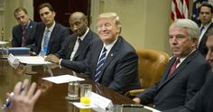 El Presidente de Estados Unidos, Donald Trump, prepara otras dos órdenes ejecutivas contra los migrantes en Estados Unidos que prohibirían la entrada a extranjeros que pudieran convertirse en una carga al erario y para expulsar a los que son beneficiados con programas de asistencia, de acuerdo con…