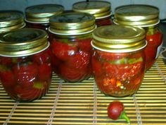 peperoncini ripieni con olive tonno  e  capperi sott'olio