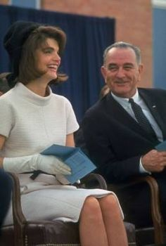 Jackie Kennedy in 1963 in San Antonio/Fort Worth, before going to Dallas (clothing change aboard plane)
