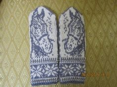 Одноклассники Dragon Cross Stitch, Cross Stitch Flowers, Knit Baby Shoes, Norwegian Knitting, Baby Mittens, Mittens Pattern, Drops Design, Cross Stitch Charts, Baby Knitting