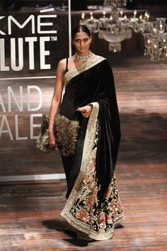Find out about quality Elegant Designer Indian Sari and items like Latest Elegant Designer Saree also Bollywood saree then CLICK VISIT link to read Trendy Sarees, Stylish Sarees, Lakme Fashion Week, India Fashion, Ethnic Fashion, Fashion Weeks, Indian Attire, Indian Wear, Indische Sarees