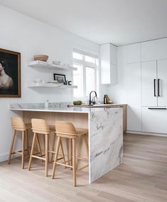 Pretty Kitchen Design Ideas With Marble Accents To Have 12 Kitchen Wall Shelves, Oak Kitchen Cabinets, Kitchen Flooring, Kitchen Furniture, Kitchen Interior, Base Cabinets, White Cabinets, Open Shelves, Floating Shelves